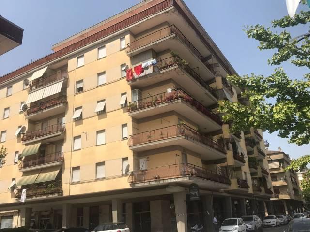Appartamento da ristrutturare in vendita Rif. 7322274