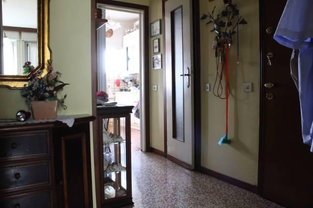 Appartamento in buone condizioni in vendita Rif. 7336757