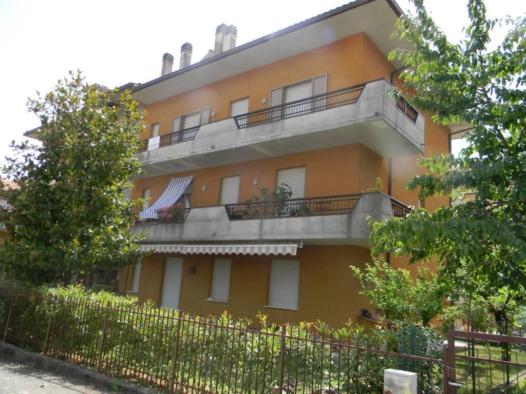 Appartamento in buone condizioni in vendita Rif. 7324327