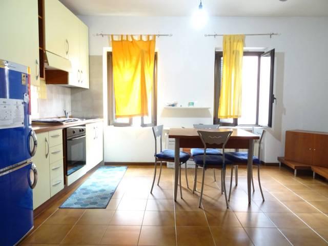 Appartamento in buone condizioni arredato in vendita Rif. 7322811