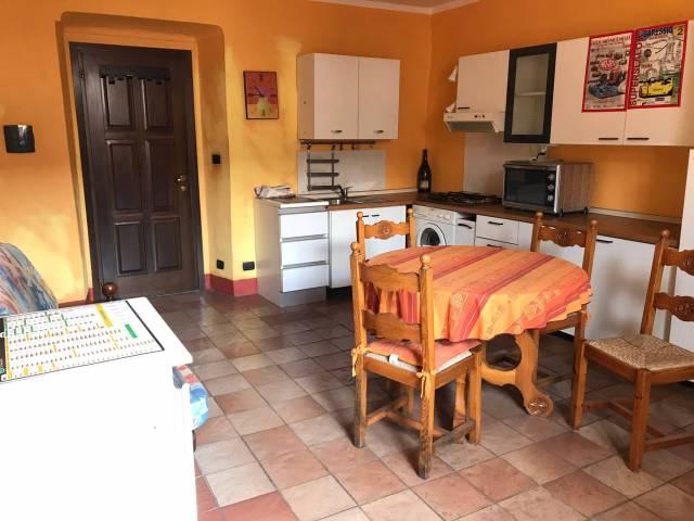 Appartamento in buone condizioni arredato in affitto Rif. 7322794