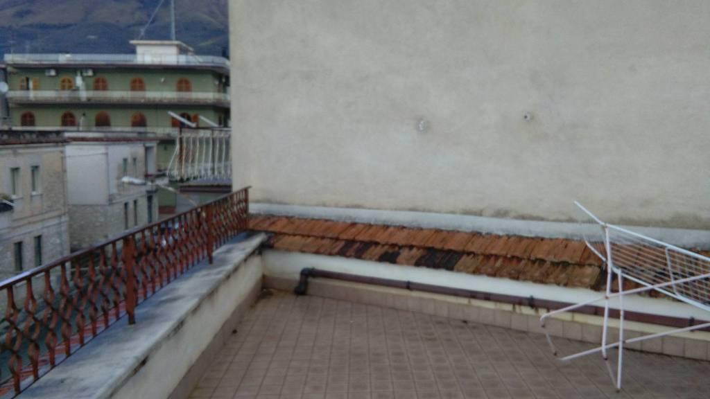 Appartamento in buone condizioni in vendita Rif. 7322852