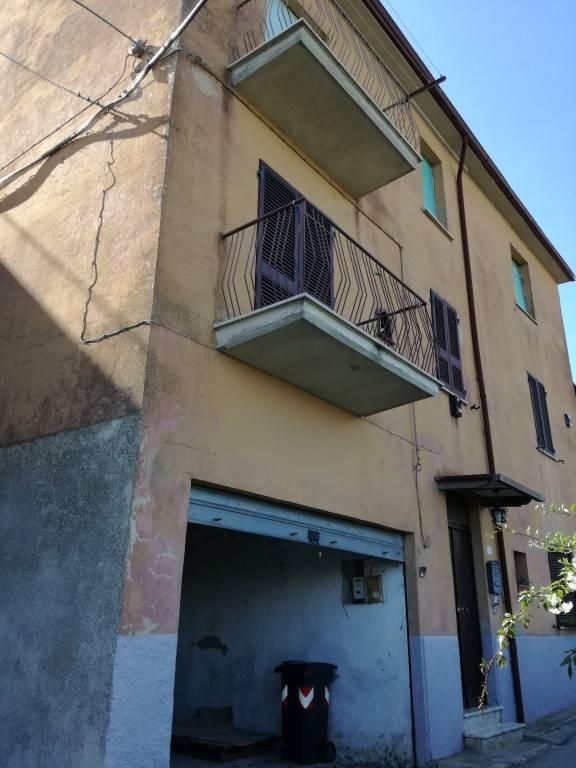 Appartamento da ristrutturare in vendita Rif. 8962729