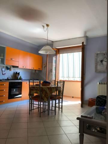Appartamento in buone condizioni parzialmente arredato in vendita Rif. 7324574