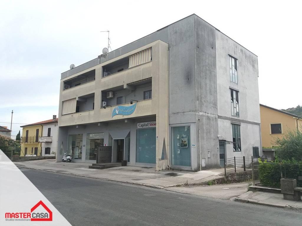 Appartamento in buone condizioni in affitto Rif. 7339258