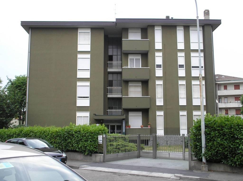 Appartamento in ottime condizioni arredato in affitto Rif. 6966009