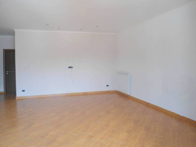 Appartamento in ottime condizioni in affitto Rif. 7334154