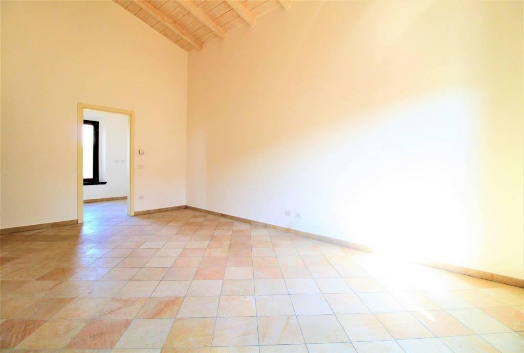 Appartamento in ottime condizioni in vendita Rif. 7338840