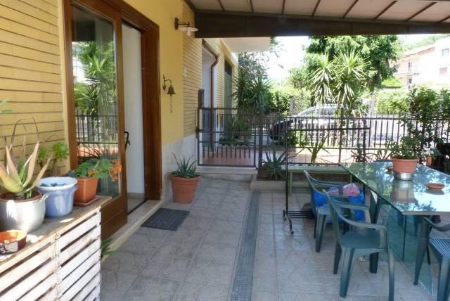 Appartamento in ottime condizioni in vendita Rif. 7334116