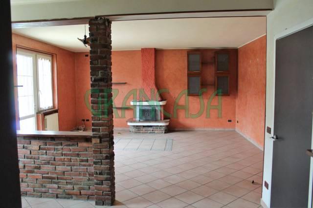 Appartamento in buone condizioni in vendita Rif. 6311232