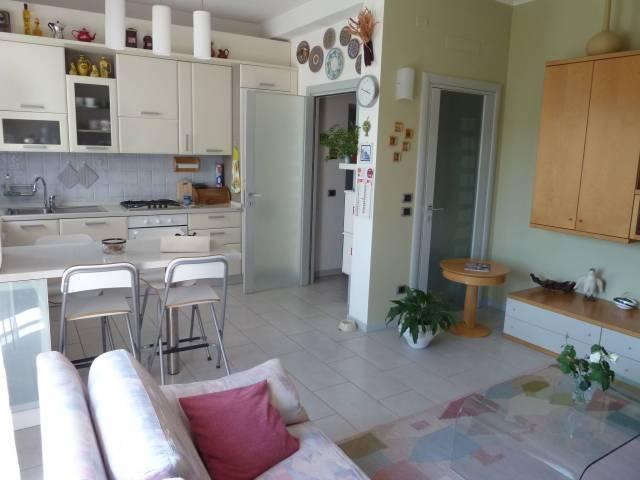 Appartamento in ottime condizioni in vendita Rif. 7334868