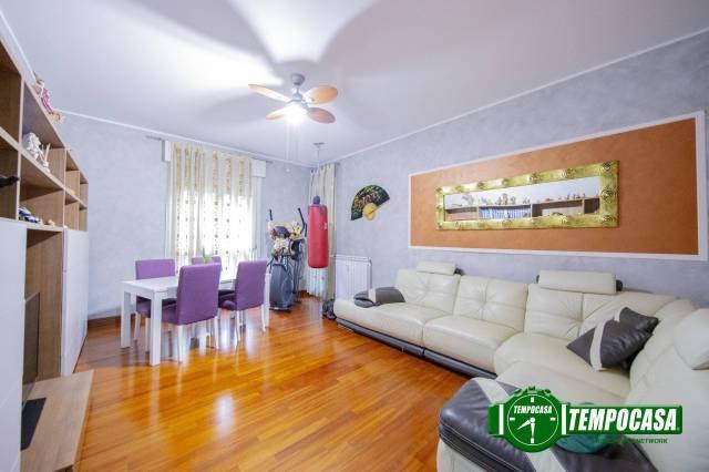 Appartamento in ottime condizioni in vendita Rif. 7335735