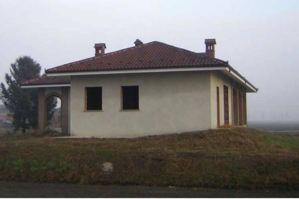 Villa in vendita a Cavour, 6 locali, prezzo € 60.000 | PortaleAgenzieImmobiliari.it