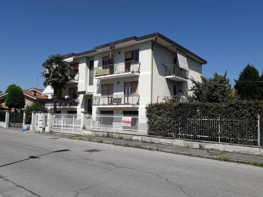Appartamento in buone condizioni in vendita Rif. 7322445