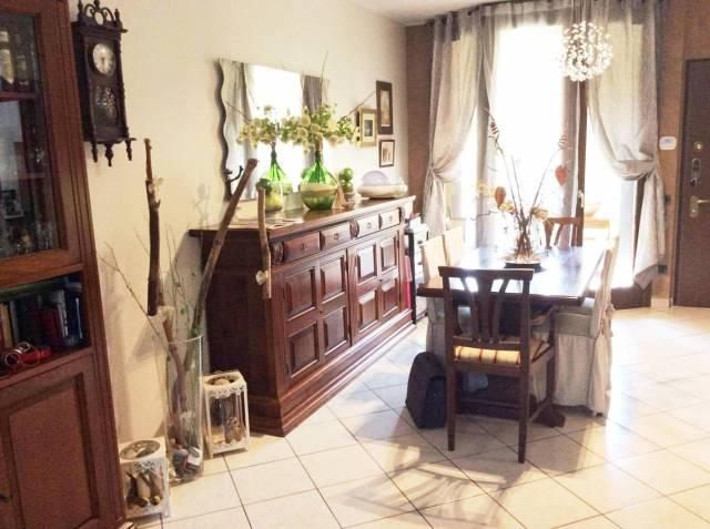Appartamento in ottime condizioni in vendita Rif. 6694363