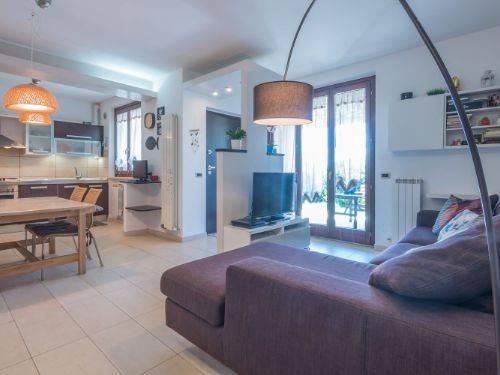 Appartamento in buone condizioni in vendita Rif. 7337804