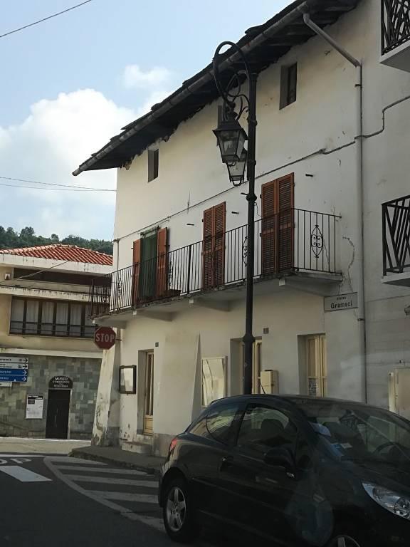 Foto 1 di Rustico / Casale viale Italia 61, 2, Coazze