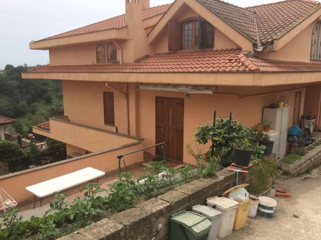 Villa da ristrutturare in vendita Rif. 9344299