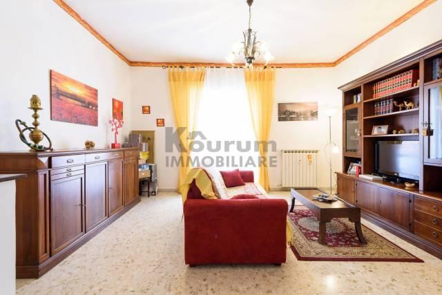 Appartamento in buone condizioni in vendita Rif. 7334408