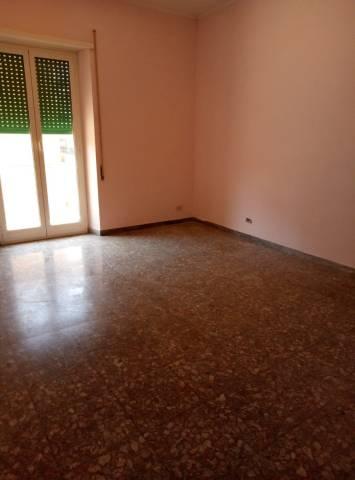 Appartamento in buone condizioni in affitto Rif. 7280866
