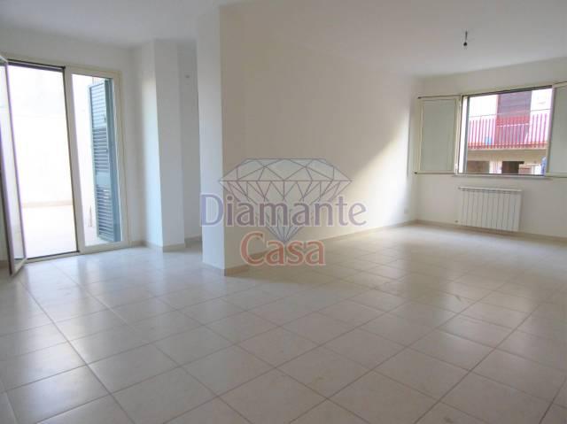 Appartamento in Affitto a Valverde Centro: 2 locali, 70 mq