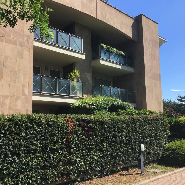 Appartamento in ottime condizioni parzialmente arredato in affitto Rif. 7345667