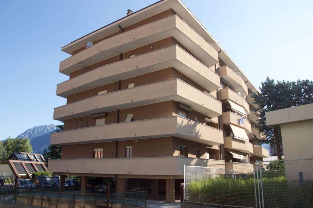 Appartamento in ottime condizioni parzialmente arredato in vendita Rif. 7345126