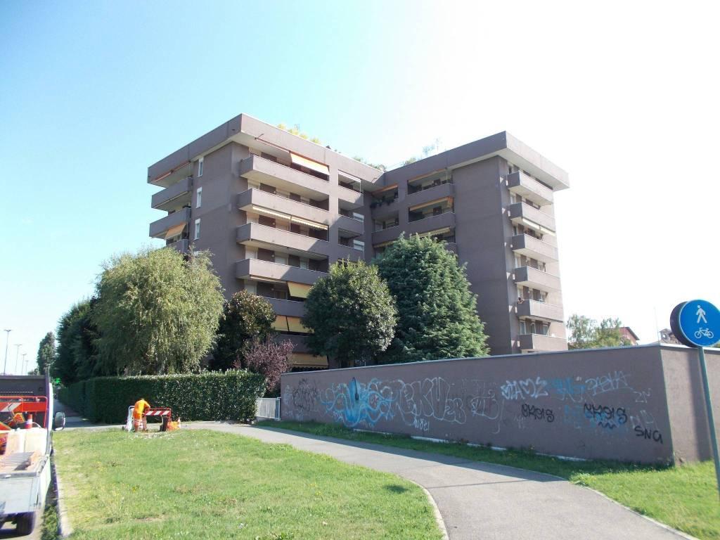 Appartamento in buone condizioni parzialmente arredato in vendita Rif. 7350254