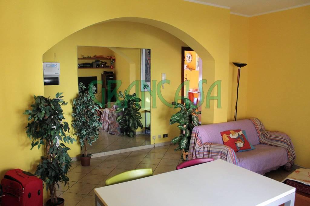 Appartamento in buone condizioni in vendita Rif. 7345464