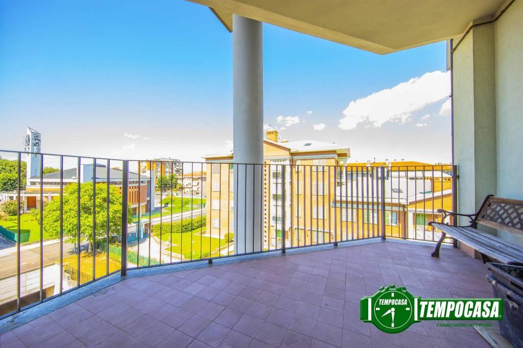 Appartamento in buone condizioni in vendita Rif. 7300516