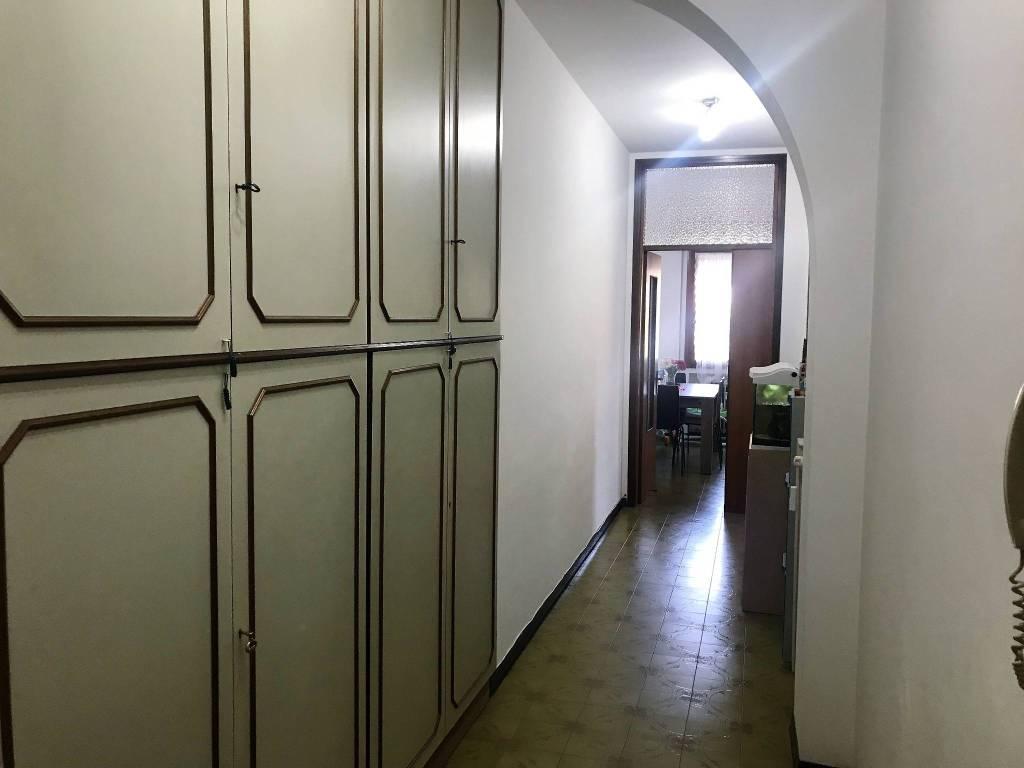 Appartamento in buone condizioni in affitto Rif. 7347954