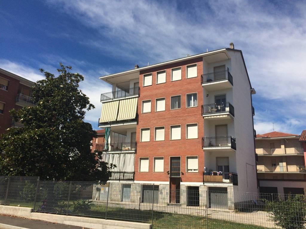 Appartamento in buone condizioni in affitto Rif. 7345847