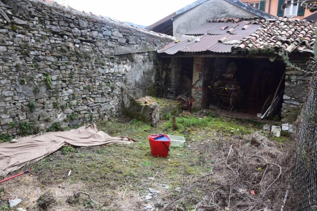 Cernobbio. Nel borgo storico di Rovenna, bilocale in vendita