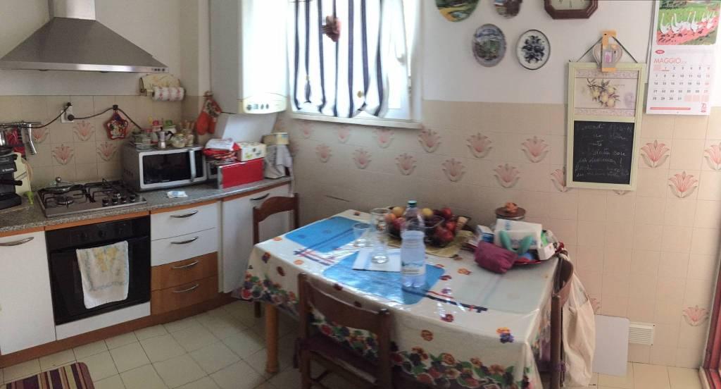 Appartamento in Vendita a Ravenna Semicentro: 5 locali, 90 mq