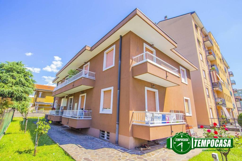 Appartamento in buone condizioni parzialmente arredato in vendita Rif. 7350091
