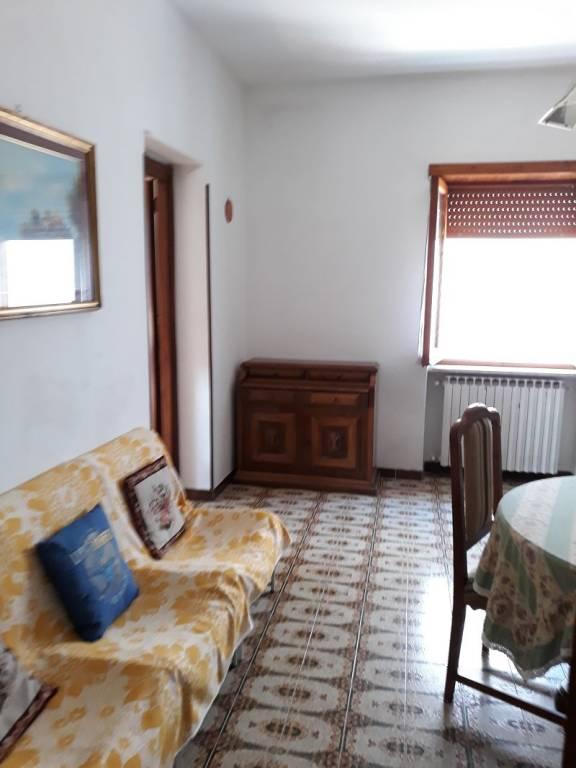 Appartamento in buone condizioni arredato in affitto Rif. 7768494