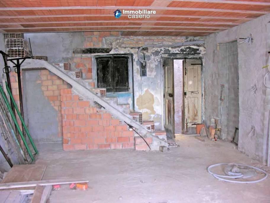 Appartamento in ottime condizioni in vendita Rif. 7348209
