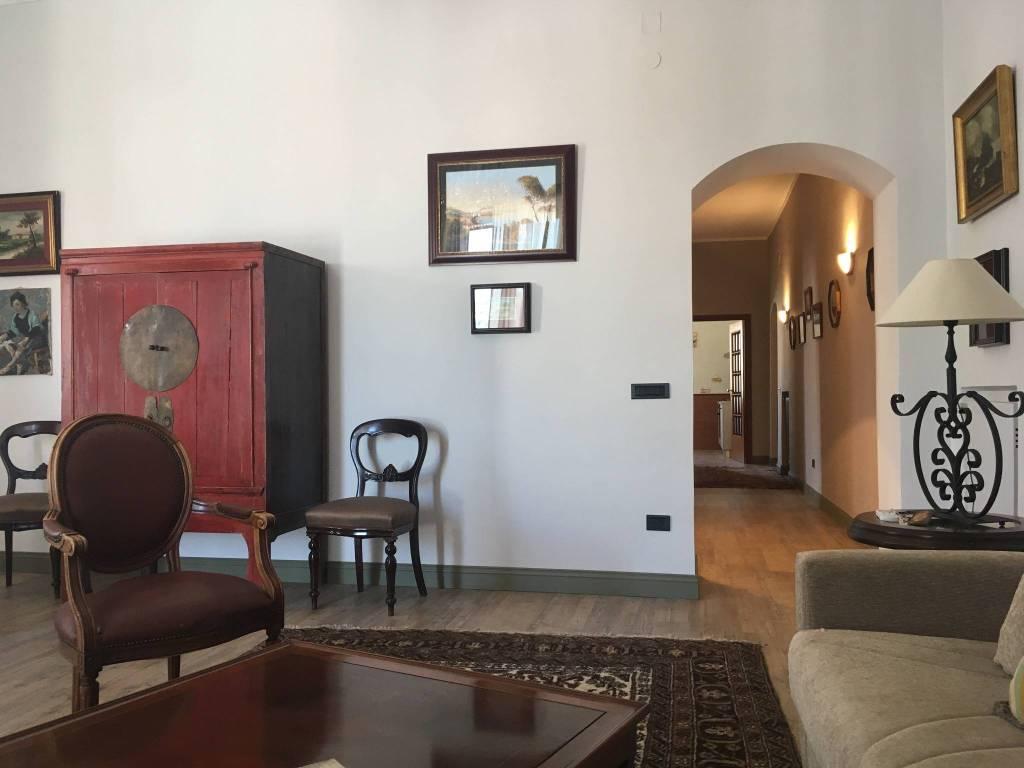 Appartamento in ottime condizioni arredato in affitto Rif. 7346954