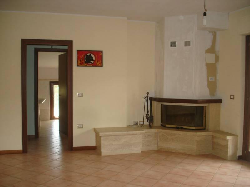 Appartamento in buone condizioni in vendita Rif. 7347191