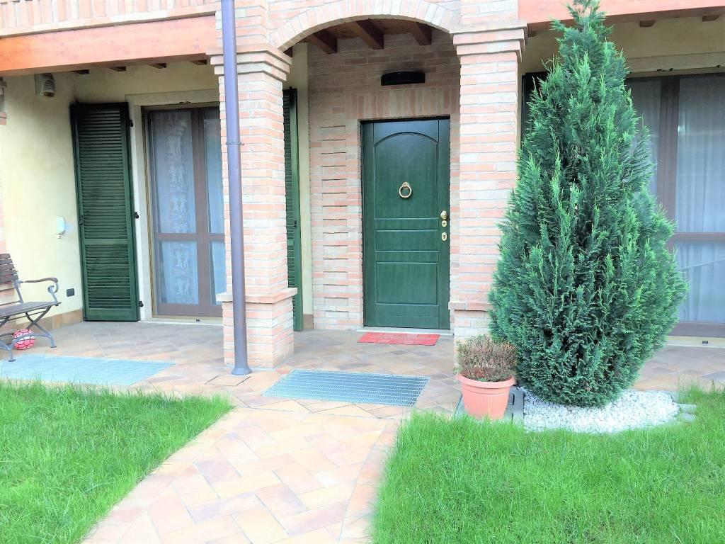 Appartamento in buone condizioni in vendita Rif. 7350201