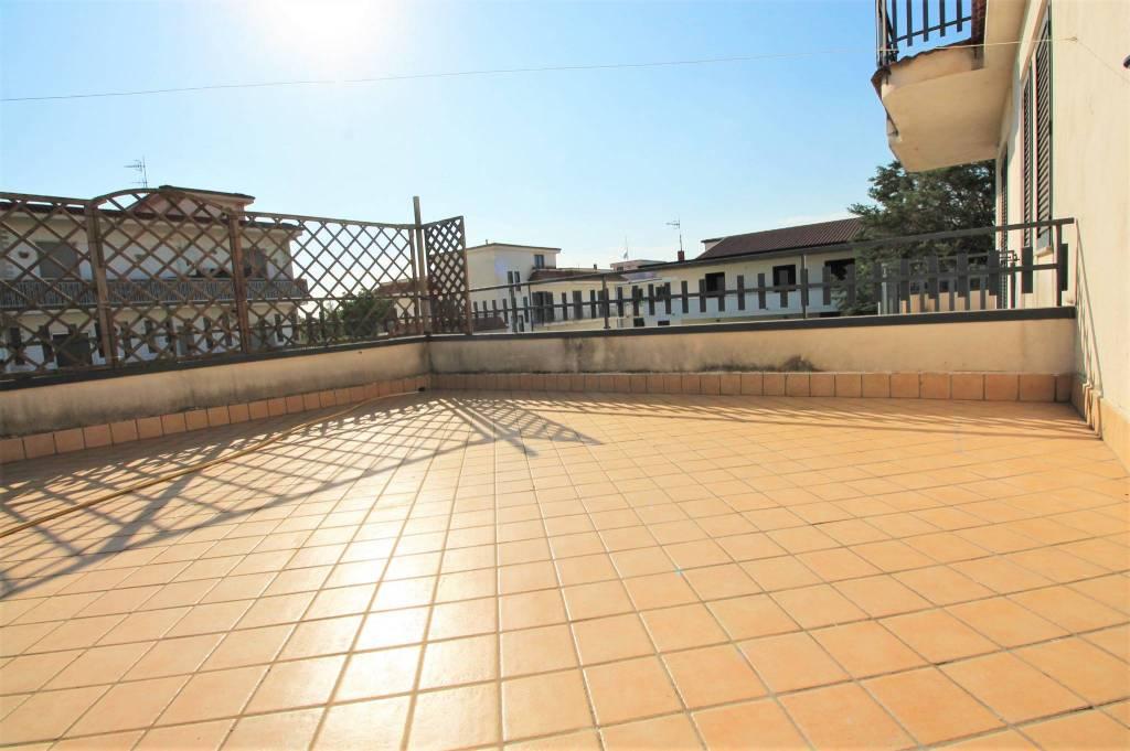Appartamento in ottime condizioni in affitto Rif. 7348924