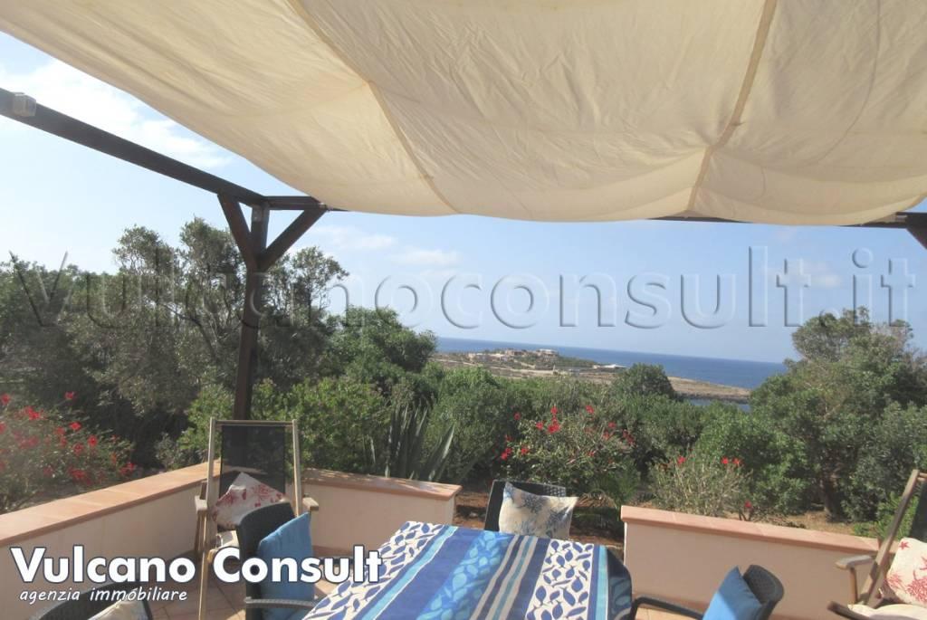 Villa in vendita a Lampedusa e Linosa, 7 locali, prezzo € 950.000 | CambioCasa.it