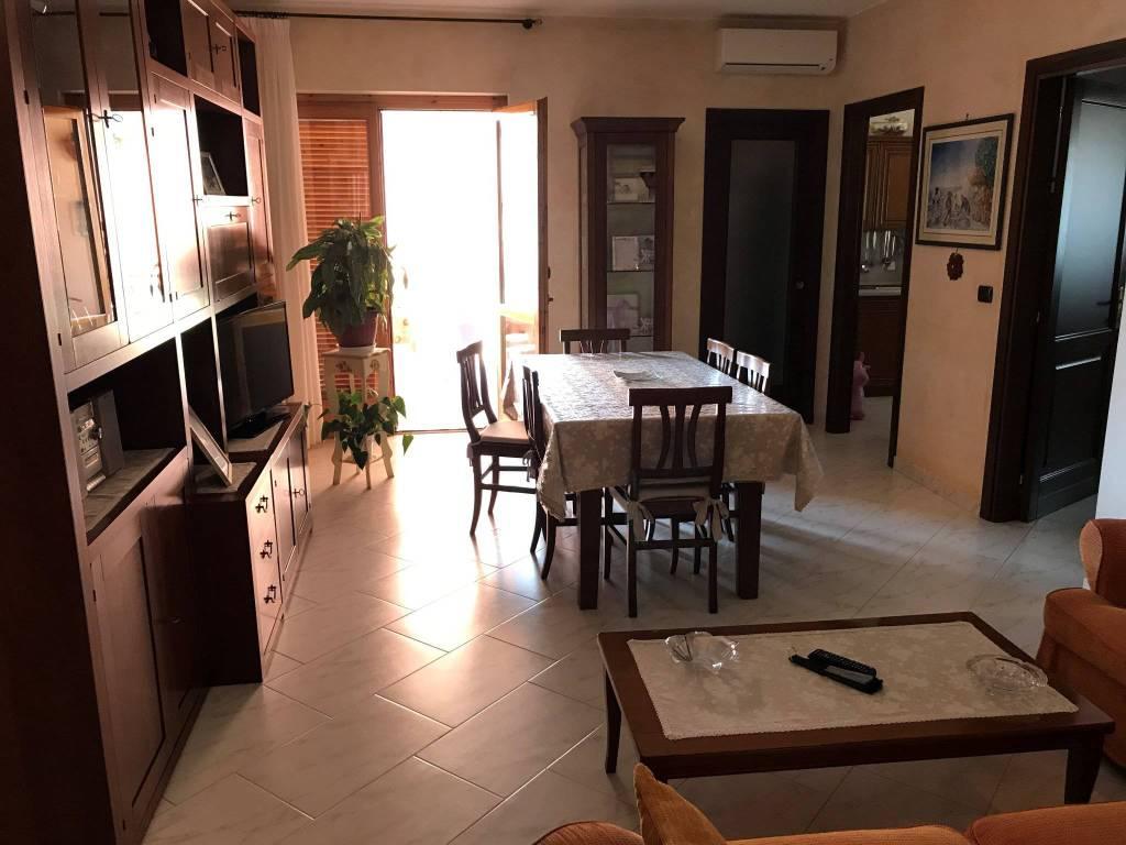 Appartamento su 2 livelli con garage Zona Villa Serena