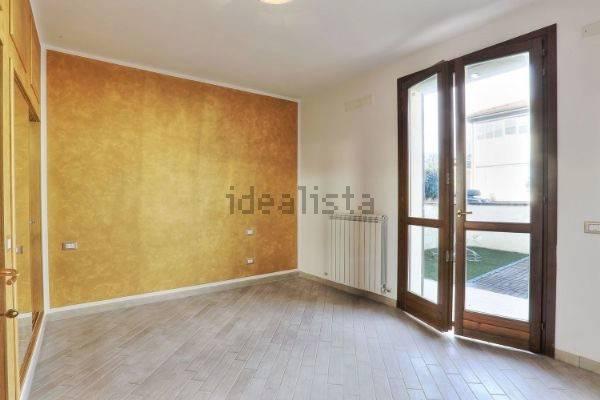 Appartamento parzialmente arredato in vendita Rif. 7594147