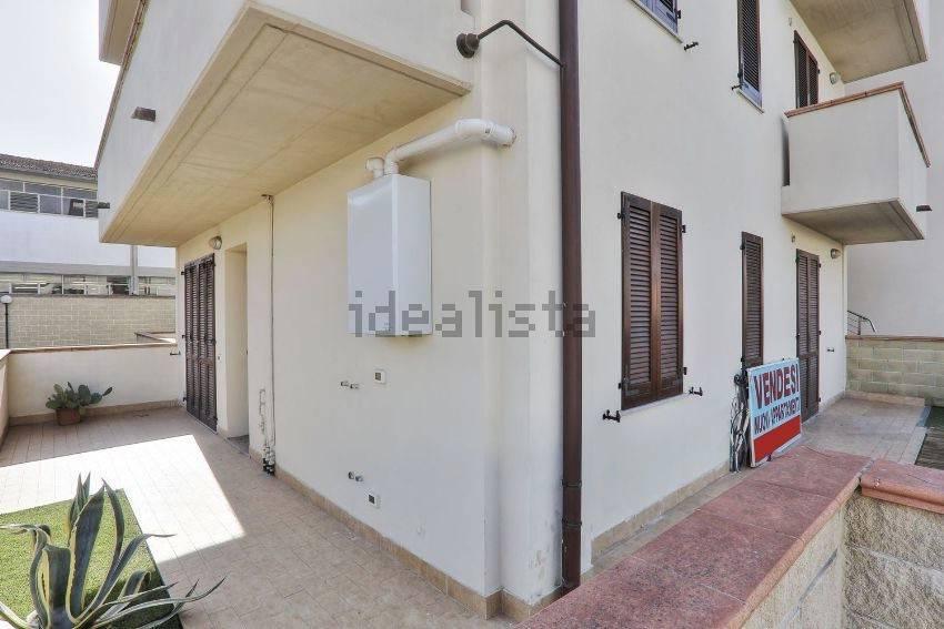 Appartamento in ottime condizioni parzialmente arredato in vendita Rif. 7594156