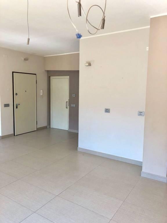 Appartamento in ottime condizioni in affitto Rif. 7361974