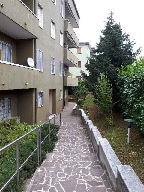 Appartamento in ottime condizioni in vendita Rif. 7359664