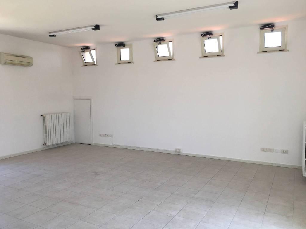Ufficio-studio in Affitto a Rimini Centro: 1 locali, 57 mq