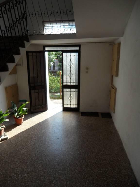 Appartamento in buone condizioni in vendita Rif. 7360467
