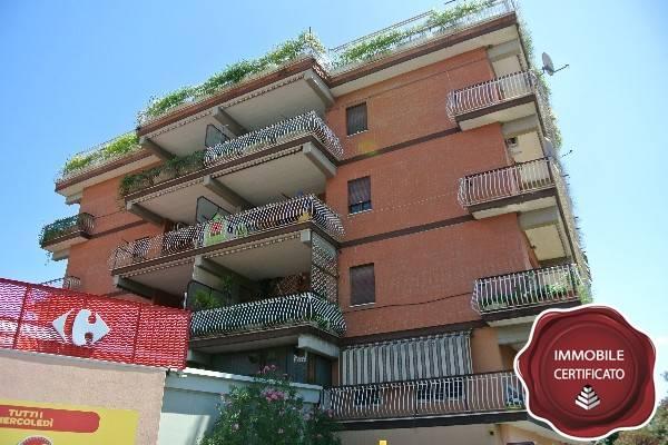 Appartamento in buone condizioni in vendita Rif. 7361512